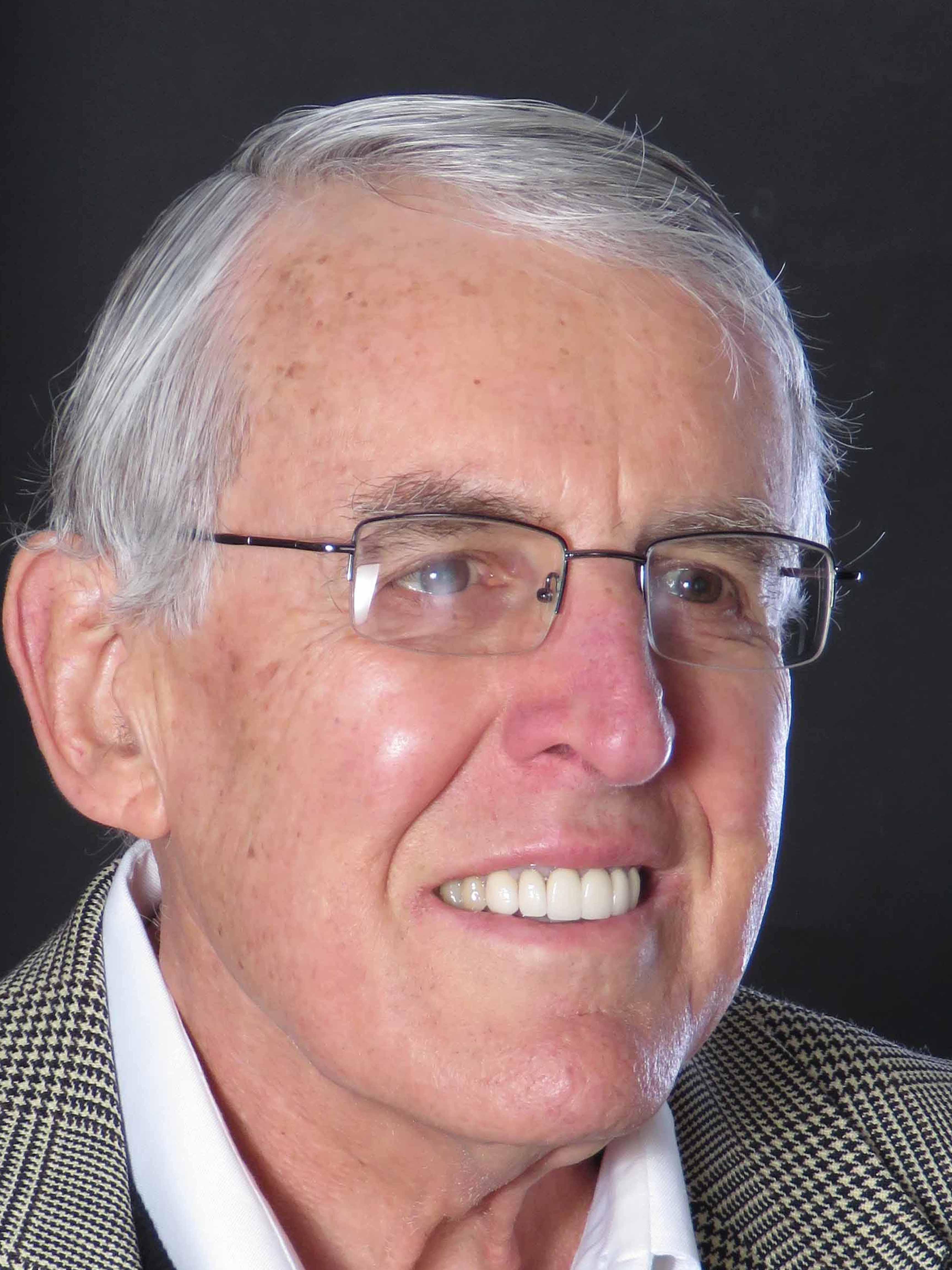 Portrait of Gordon Lindsey